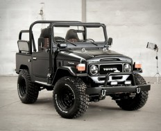 1985 Toyota Land Cruiser Matte Black
