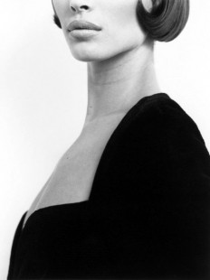Christy Turlington photographed by Herb Ritts on Inspirationde