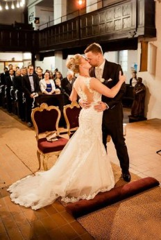 18 Top Christian Wedding Songs - A Couple's Guide For Wedding Day