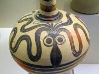 Résultats Google Recherche d'images correspondant à http://www.ravent.net/mayero-blog/public/2011/Montee_Eretria/musee-Nauplie-ceramique-mycenienne-avec-pieuvre-1500BC.jpg