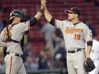 DH Chris Davis pitches two scoreless innings as Orioles beat Red Sox in 17 innings - baltimoresun.com
