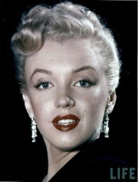 Portrait photos of Marilyn Monroe from 1950 — Lost At E Minor: For creative people