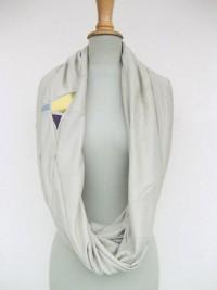 kuscheliger herbstloop in beige mit druck - loop bedruckt von StAnderswo - Schlauchschals - Tücher & Schals - DaWanda