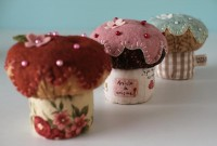 Cupcake Pincushions | Flickr - Photo Sharing!