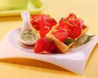 Recette de Gaufres citronnées aux fraises et jus de basilic - Une recette de Cuisine AZ.