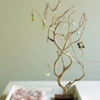 DIY Branch Jewelry Organizer | Shelterness