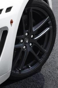 Download Maserati Wheel iPhone Hd Wallpaper - Cars iPhone HD Wallpapers - | iPhone HD Wallpaper