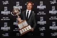 Ex-Hawk Campbell wins Lady Byng Trophy - chicagotribune.com