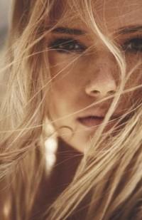 Blonde | Model Poses