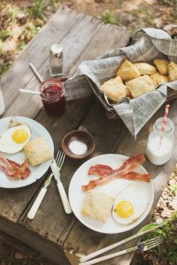 brunch outdoors | Eat, drink & be merry...entertaining ideas.