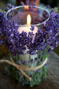 C R A F T Y ? / Lavender tied around votives. Beautiful.