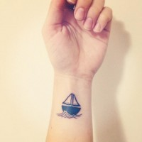 done by Hank at Holdfast Tattoos in Perth, Australia. | Tatouages