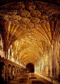 E For England / Gloucester Cathedral, England.
