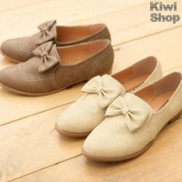 Fashion / Bowed oxfords