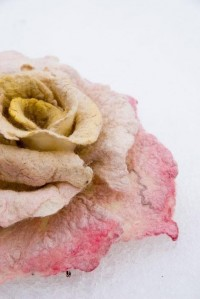 felt wearables / Felted rose brooch from wool and by ing00te