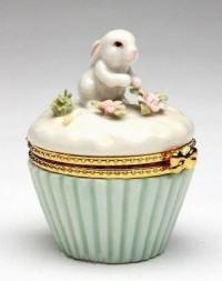 Home Decor I Like / Porcelain Bunny Trinket Box. So sweet.