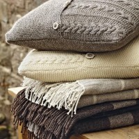Home sweet Home / warm knitted cushions