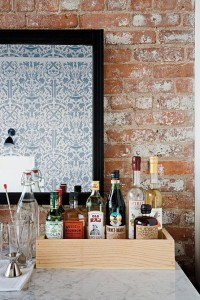 Industrial chic / Brick and art and drink