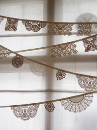 Things I should Try To Make / vintage doily bunting